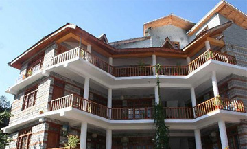 advantages of staying in top rated hotels in Manali